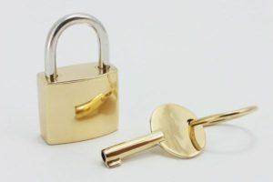 Pendentif cadenas or 18 carats 16
